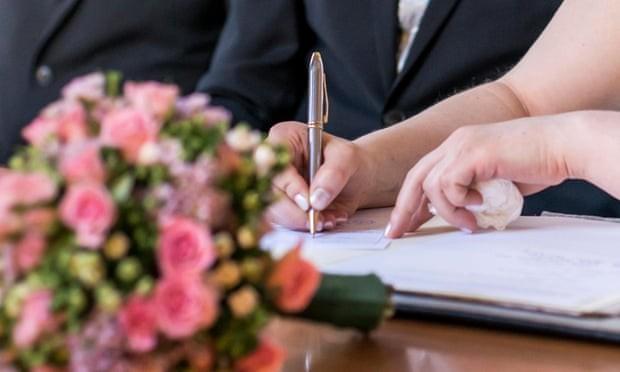 Hàn Quốc cấm đàn ông có tiền sử bạo lực kết hôn với phụ nữ nước ngoài