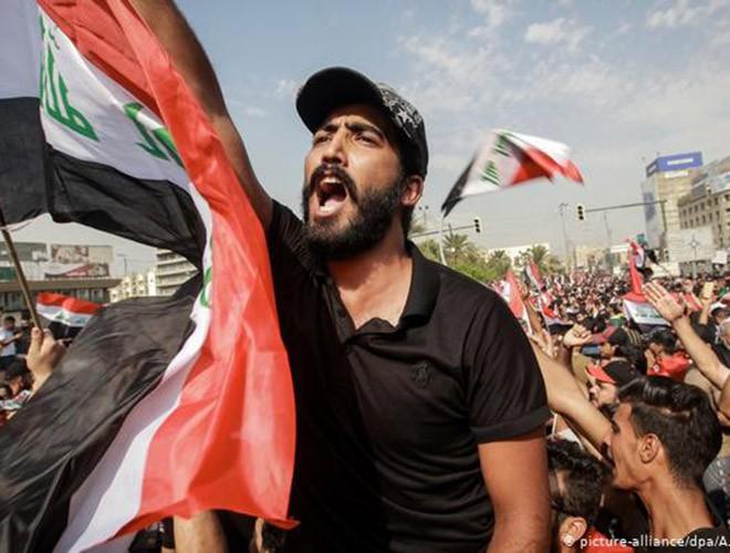 """Phong trào biểu tình mang tên """"cách mạng tuk tuk"""" ở Iraq ảnh 12"""