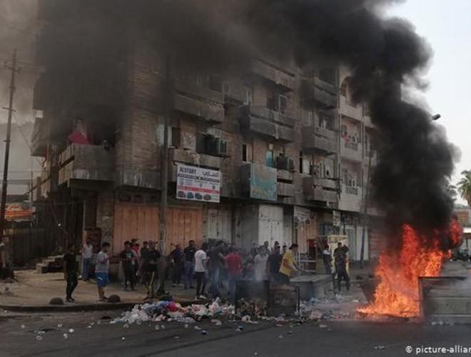 """Phong trào biểu tình mang tên """"cách mạng tuk tuk"""" ở Iraq ảnh 14"""