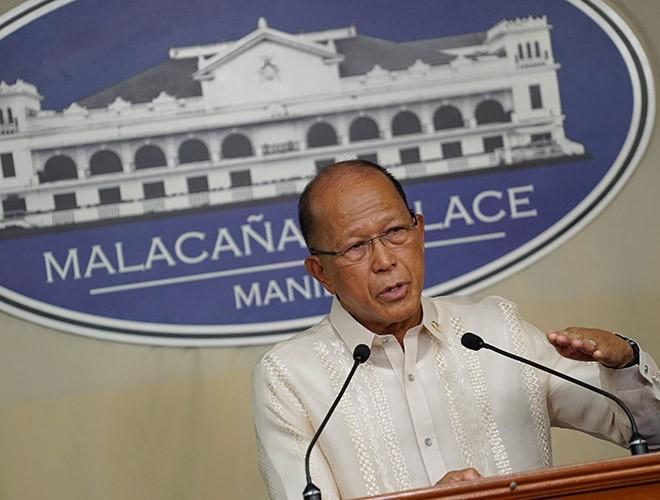 Bộ trưởng Quốc phòng Philippines cảnh báo Trung Quốc cần tôn trọng luật hàng hải quốc tế