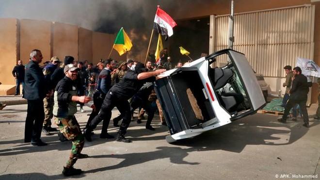 Mỹ tức tốc điều lính thủy đánh bộ để bảo vệ Đại sứ quán ở Baghdad