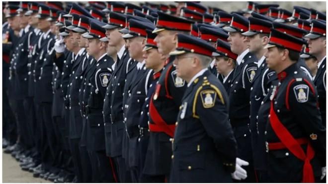 Hàng nghìn cảnh sát Canada dự lễ tang Vu Pham, cảnh sát Ontario bị bắn chết trong khi làm nhiệm vụ năm 2010