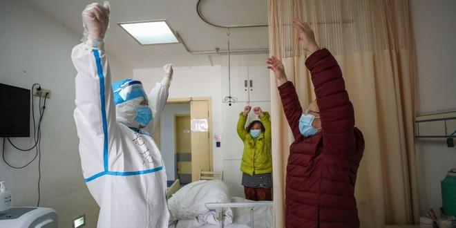 Hồ Bắc: Bệnh nhân Covid-19 tự nguyện trình báo được nhận 1.426 USD