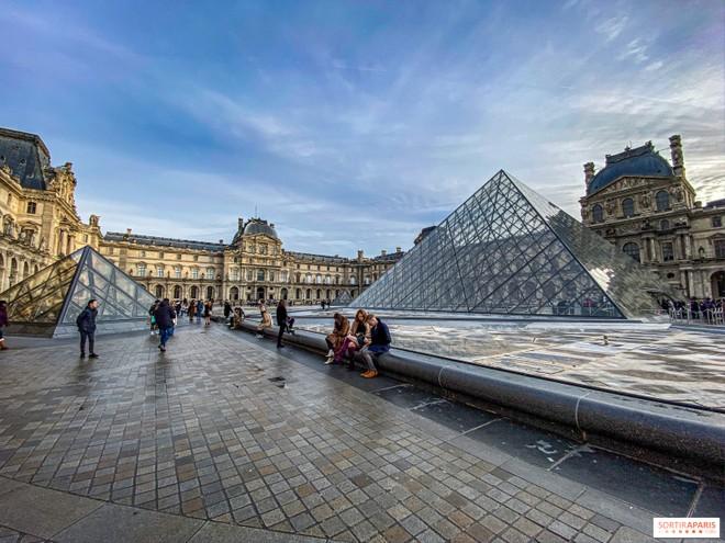 Không còn cảnh những địa danh du lịch đầy khách ở Paris