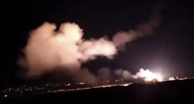 """Phòng không Syria đánh chặn mục tiêu """"thù địch"""" từ Israel nhằm vào Damascus"""