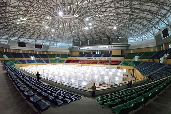 Toàn cảnh bệnh viện dã chiến tại Cung thể thao Tiên Sơn