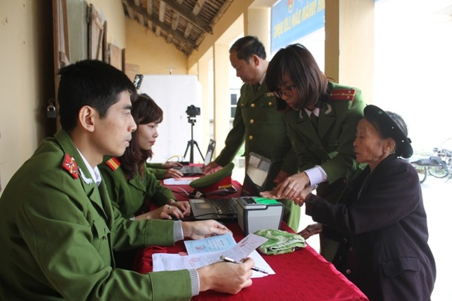 Lực lượng Công an nhân dân luôn hết lòng hết sức phục vụ nhân dân, đảm bảo quyền và lợi ích hợp pháp của công dân