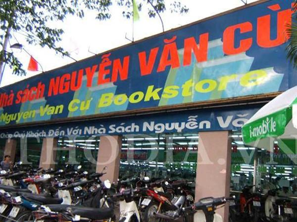 Xuất bản sách đã thu hồi, Nhà sách Nguyễn Văn Cừ bị xử phạt ảnh 1