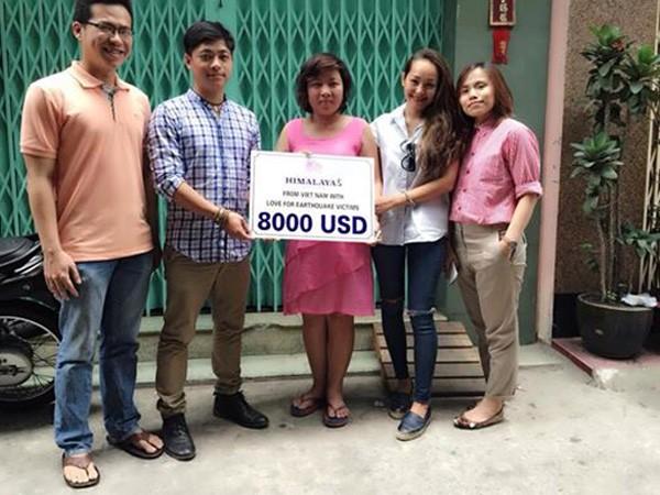Himalayas Vietnam trao 8.000 USD quyên góp được ủng hộ nạn nhân động đất Nepal ảnh 1