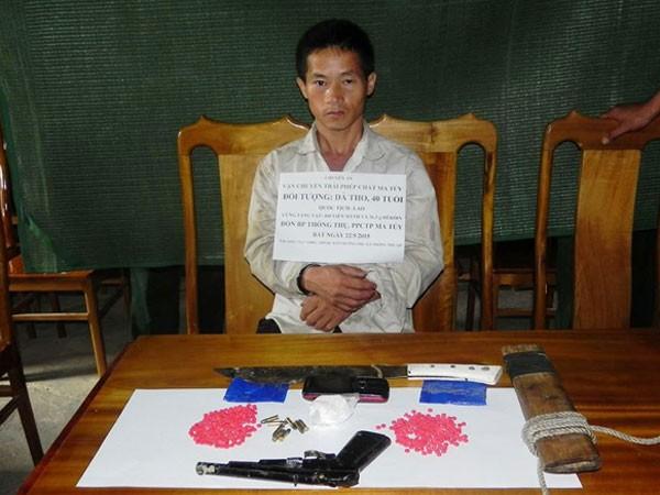 Bắt đối tượng mang 400 viên ma túy tổng hợp từ Lào vào Việt Nam ảnh 1