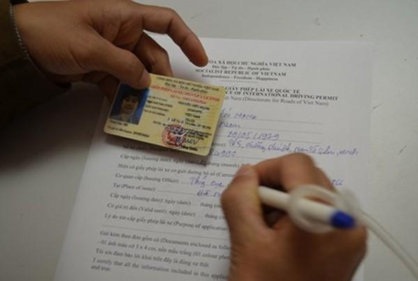 Tổng cục Đường bộ Việt Nam chính thức cấp Giấy phép lái xe quốc tế (IDP)