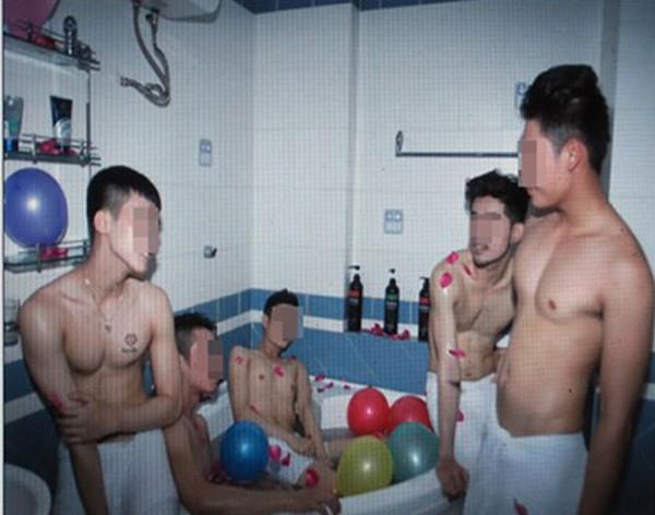 Hình ảnh mà chủ spa Win giới thiệu cho khách lựa chọn nam tiếp viên