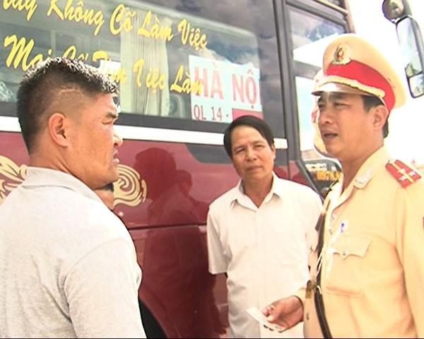 Phạt nặng tài xế xe khách không cứu người bị tai nạn ảnh 2