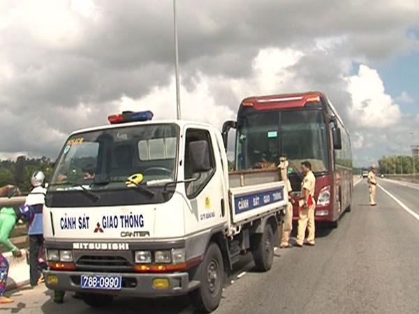Phạt nặng tài xế xe khách không cứu người bị tai nạn ảnh 1