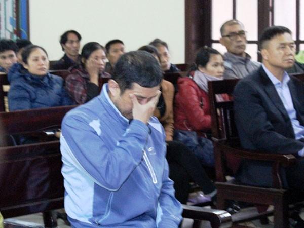 Bị cáo Kim Jong Wook khóc tại tòa