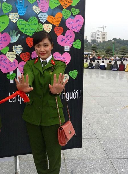 Nữ sinh Cảnh sát Ánh Nguyệt cũng sẽ tham gia trực tại trường dịp Tết này.