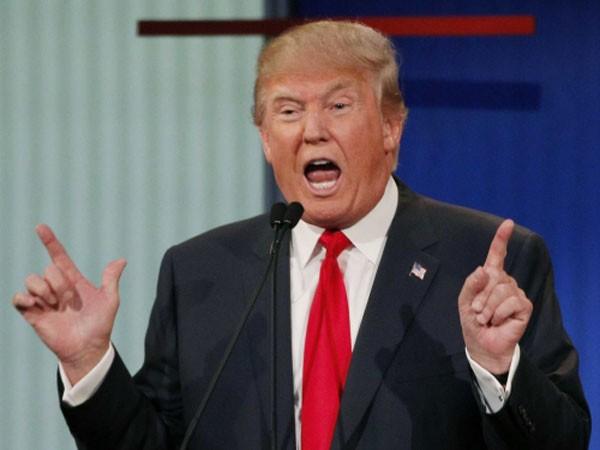 Ông Trump bị so sánh với Hitler.