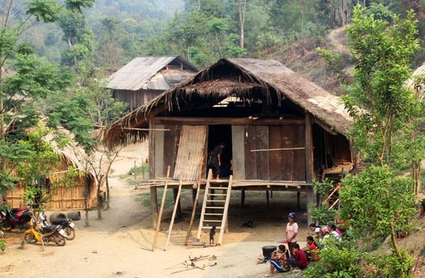 Ngôi nhà của vợ chồng ông Quyền là nơi tổ chức tang lễ cho cả 3 người con.