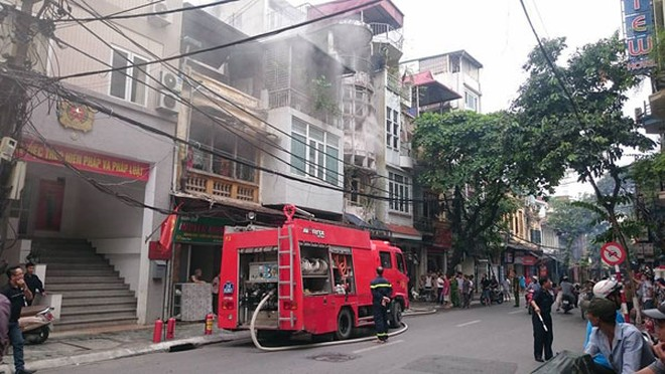 Lực lượng chữa cháy đang làm nhiệm vụ.