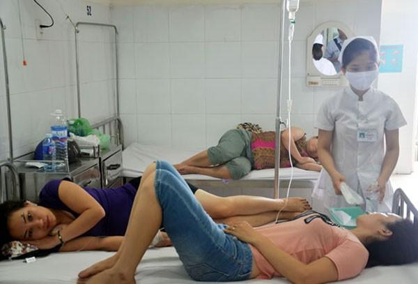 Sau 11 người đã xuất viện, hiện 4 người vẫn đang được theo dõi và điều trị.