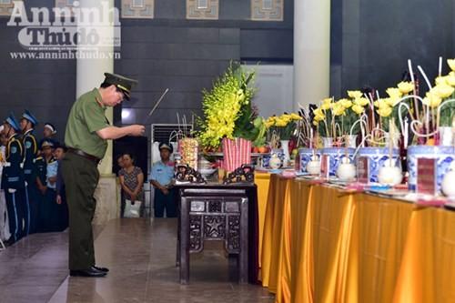 Lãnh đạo Đảng, Nhà nước viếng các quân nhân hi sinh khi máy bay CASA -212 gặp nạn