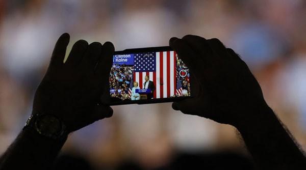 Mạng lưới máy tính của nhóm vận động tranh cử của cựu Ngoại trưởng Hilary Clinton lại bị tin tặc tấn công.