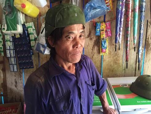 Ông Giàng A Khua cho biết, được thuê 2 triệu đồng cho 8 tiếng đi bộ để khiêng các phu vàng ra bên ngoài