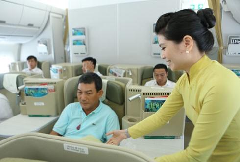Tổng công ty Hàng không Việt Nam (Vietnam Airlines) thông báo mở bán vé Tết Nguyên đán 2017.