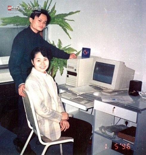 Thời mới khai sinh Alibaba, vợ chồng Jack Ma đã mải mê công việc mà thiếu quan tâm tới con.
