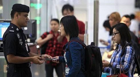 Malaysia đã bắt giữ 30 người nước ngoài không có giấy tờ hợp pháp, trong đó có ba người Việt Nam.
