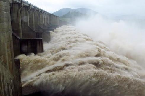 Thủy điện Sông Ba Hạ xả lũ lưu lượng lớn