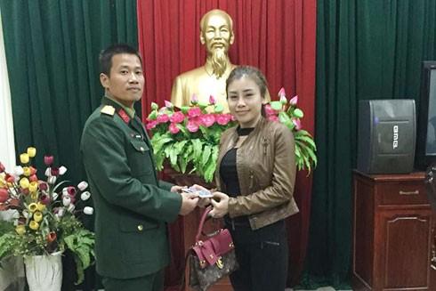 Hà Nội: Trung úy quân đội quật ngã 2 tên cướp giật trên đường Nguyễn Tri Phương