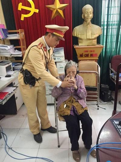 Cụ già 82 tuổi bị lạc đường do trí nhớ kém.
