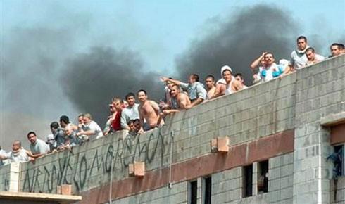 Bạo lực giữa các băng đảng trong nhà tù Mexico.