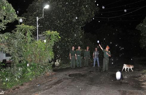 Cán bộ UBND thị xã Ayun Pa treo cổ tự tử.
