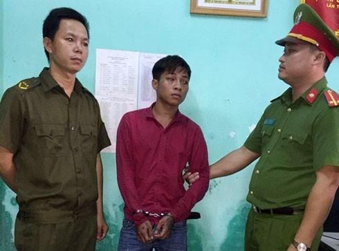 Lực lượng công an bắt giữ đối tượng Đặng Ngọc Trung.