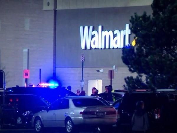 Vụ nổ súng ở siêu thị Walmart.