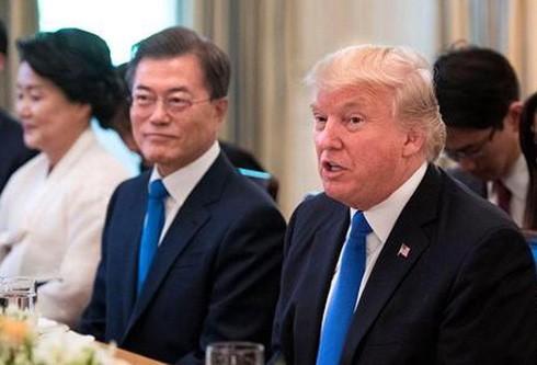 """Triều Tiên đã có phản ứng """"có chừng mực"""" đối với chuyến thăm mới nhất của Tổng thống Mỹ Donald Trump tới Seoul."""
