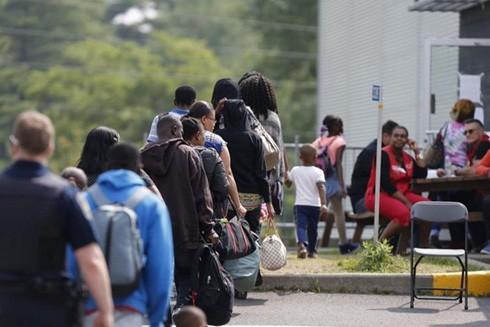 Người tị nạn qua biên giới Mỹ vào Canada đang là vấn đề đau đầu đối với giới chức nước này.
