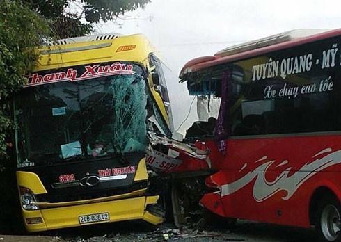 Vụ tai nạn giữa 2 xe khách.