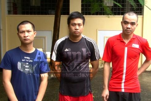 Các đối tượng bị bắt giữ về hành vi đánh bạc và tổ chức đánh bạc dưới hình thức cá độ bóng đá