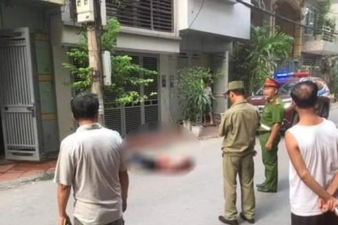 Sau khi sát hại 2 nữ sinh viên tại Hà Nội, nghi phạm nhảy lầu tự tử.