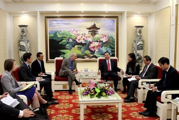 Thượng tướng Tô Lâm, Thứ trưởng Bộ Công an và ông David Saperstein, Đại sứ lưu động phụ trách tự do tôn giáo quốc tế, Bộ Ngoại giao Hoa Kỳ tại buổi tiếp