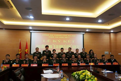 Các đơn vị trong Cụm thi đua số 1 CATP Hà Nội ký kết giao ước thi đua