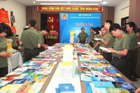 Triển lãm trưng bày gần 1000 đầu sách