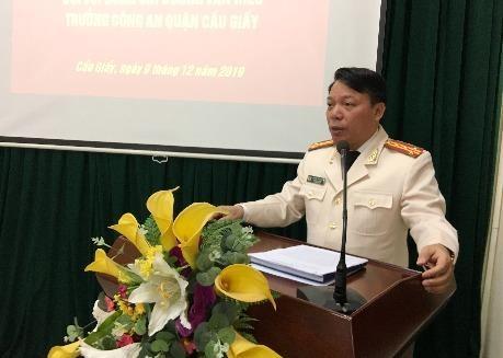 Đại tá Dương Văn Hiếu, Trưởng Công an quận Cầu Giấy phát biểu tại hội nghị
