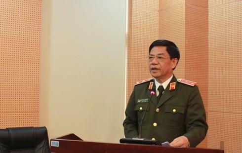 Trung tướng Đoàn Duy Khương, Giám đốc CATP Hà Nội nhấn mạnh các nhiệm vụ trọng tâm trong công tác xây dựng Đảng năm 2020, đặc biệt là việc chuẩn bị tổ chức Đại hội Đảng các cấp trong CATP