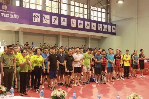 Giải bóng bàn thu hút sự tham gia của 100 vận động viên