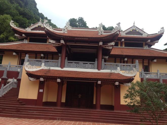 Công trình xây dựng quy mô này chỉ cách chùa Thiên Trù vài chục bước chân