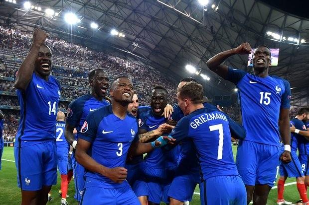 Pháp đã vượt qua Đức trong một trận đấu được đánh giá thấp hơn